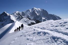 Zpestřete si léto prodlouženým víkendem v Alpách