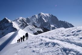Pojeďte obdivovat alpské vrcholy