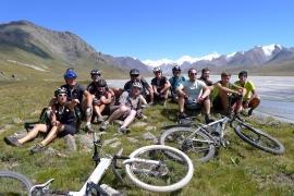 Na kole divočinou asijských hor