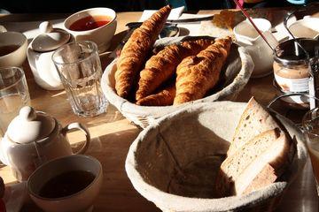 Snídaně na Montmartru