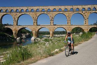 081a820c6e68 Pont Du Gard - Adventura.cz - poznávací dovolená, turistika ...
