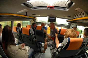 Vnitřek nástavby pro cestující za jízdy