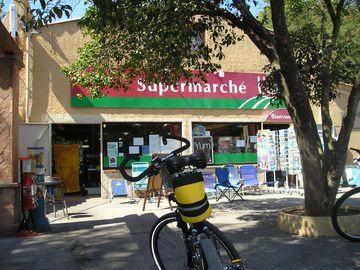 Supermarket v kempu (Port Grimaud)