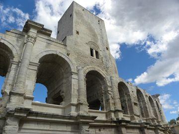 Arles, částečně zrekonstruovaná římská aréna