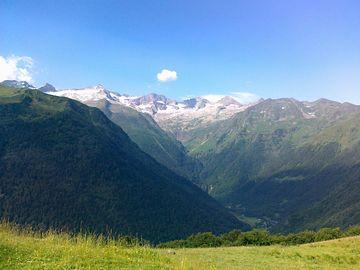 Výhledy na Pyreneje ze Superbagnéres (1800 m)
