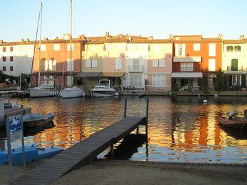 V přístavu Port Grimaud