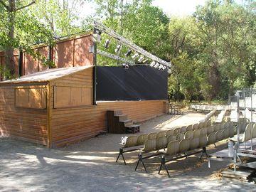 Pódium v kempu (Port Grimaud)