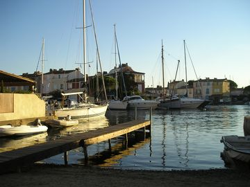 Malebný přístav Port Grimaud