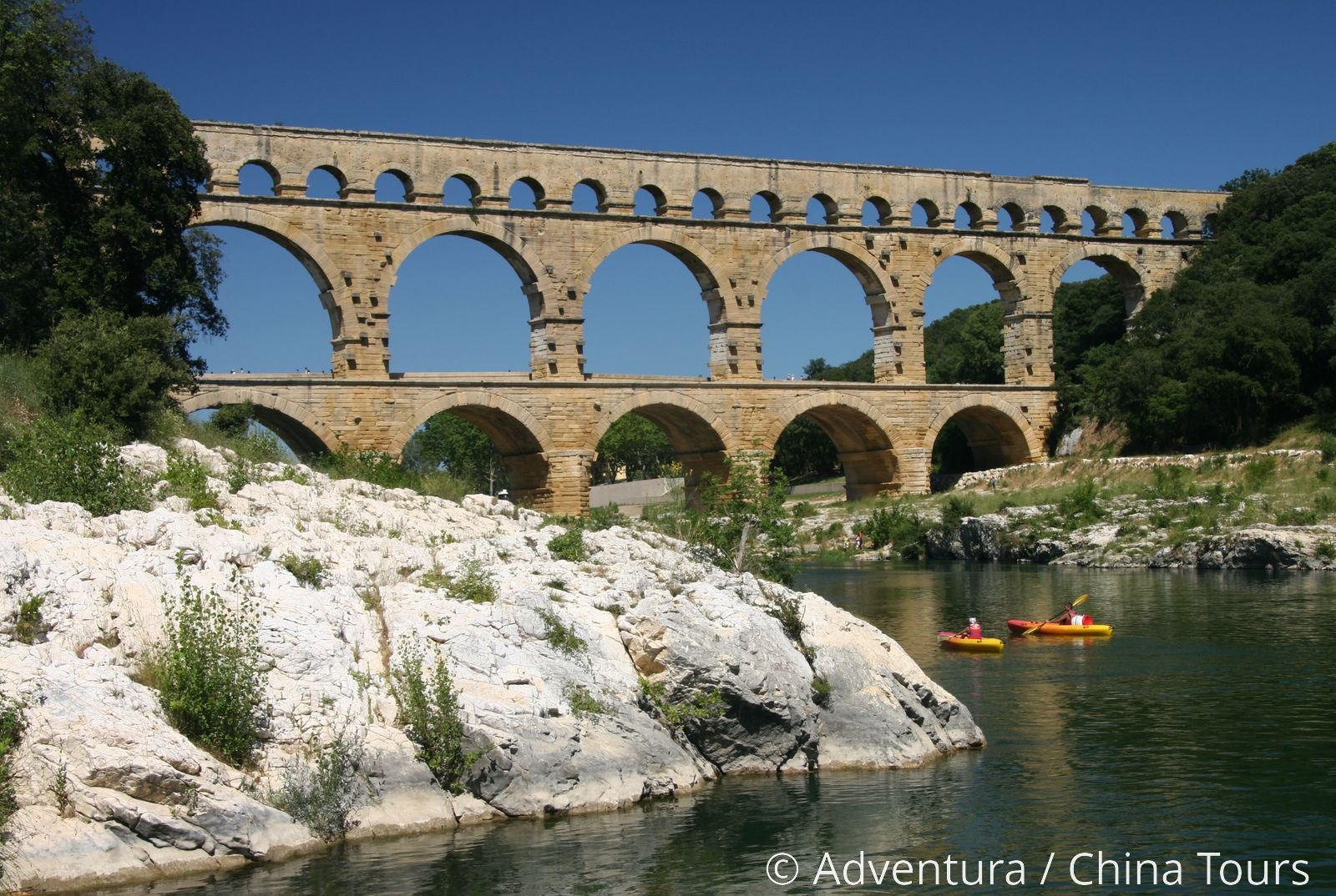 55b87626b064 Pont Du Gard - Adventura.cz - poznávací dovolená, turistika, dovolená na  kole