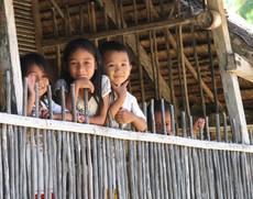 Milí a usměvaví Filipínci