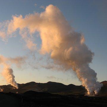 Čmoudíky z elektráren, Island