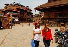 Bhaktapur - v ulicích již panuje čilý každodenní život