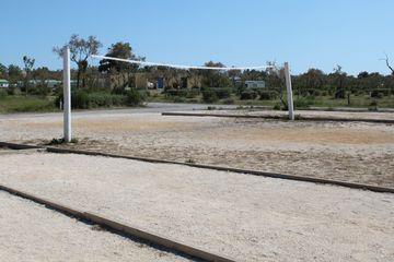 Hřiště na pétanque a volejbal v kempu Palavas-les-Flots