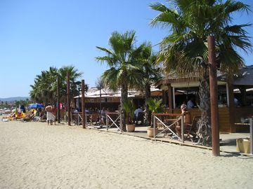 Na pláži v kempu (Port Grimaud)